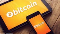 Nilai Bitcoin Turun Hampir 50%